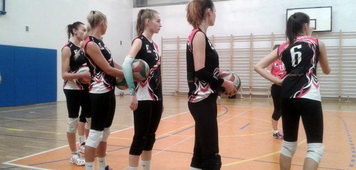 Szóste zwycięstwo z rzędu tomaszowskich siatkarek. MKS II Dąbrowa Górnicza – TKS Tomasovia 1:3