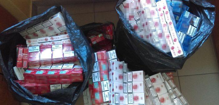 Mieszkaniec powiatu tomaszowskiego przewoził blisko 1400 paczek papierosów bez akcyzy.