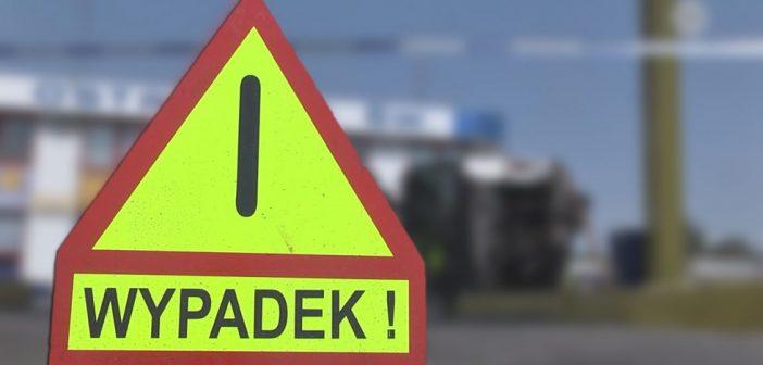 Wypadek na skrzyżowaniu dróg w powiecie tomaszowskim