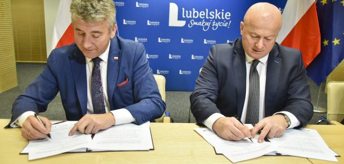 Podpisanie umowy na modernizację kompleksu sportowego OSiR Tomasovia